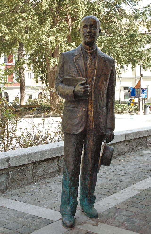 Svevo's Statue